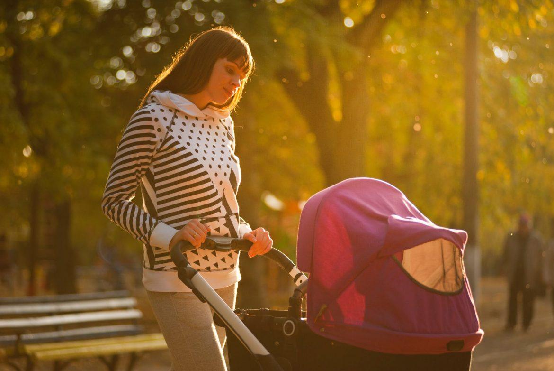 otroški sedeži za avto in vozički