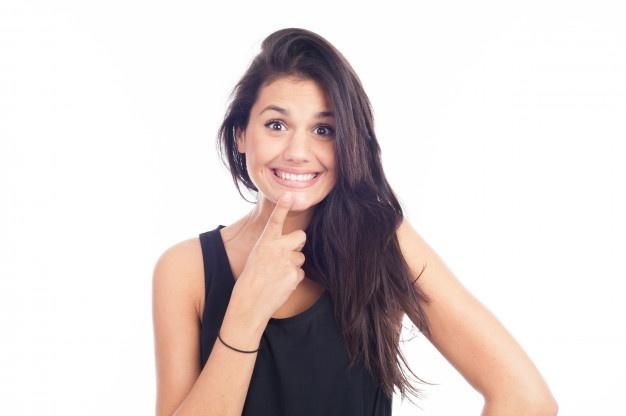 Zobni implantati so lahko nameščeni že v nekaj urah